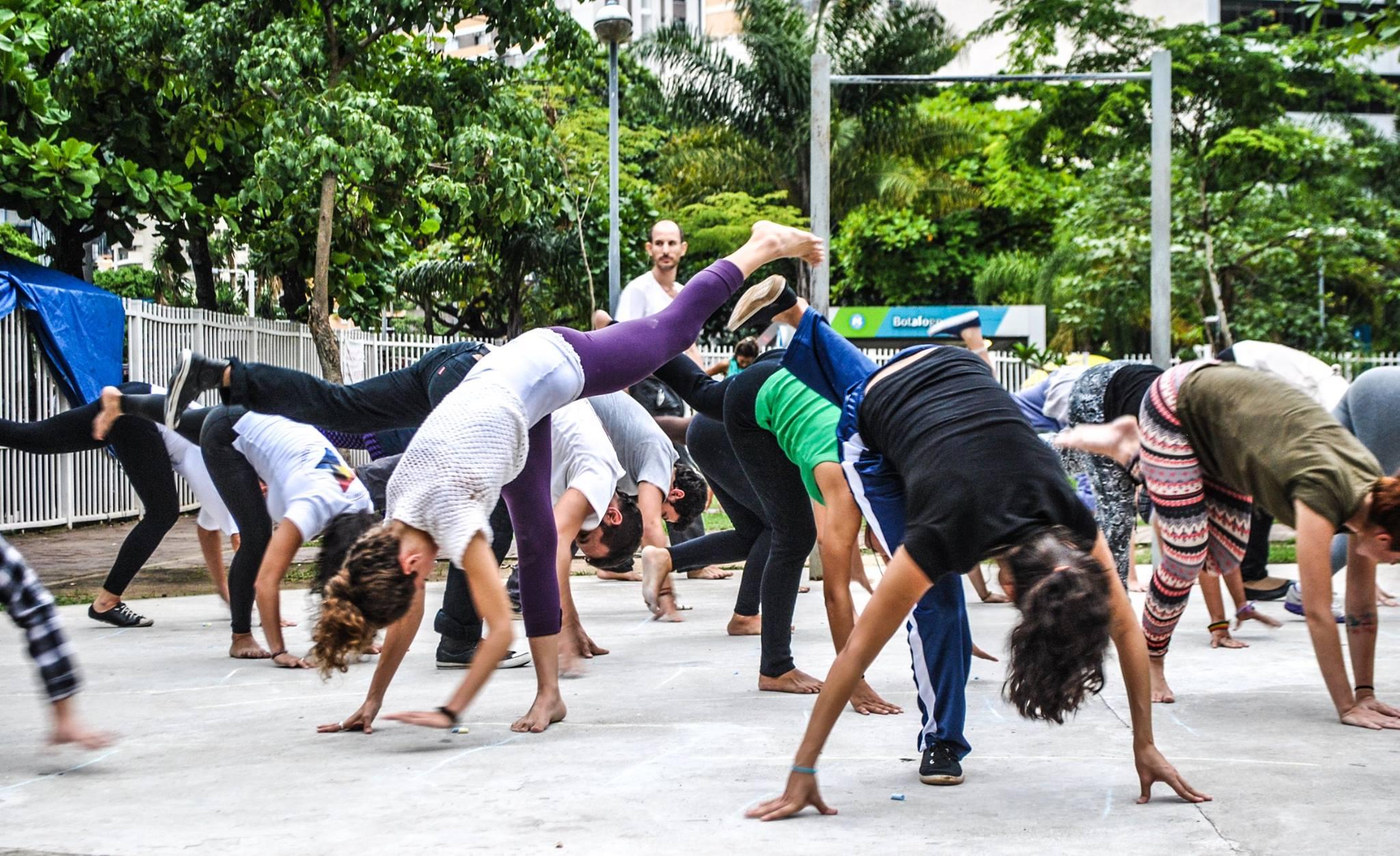 Roda de Capoeira no Metro Botafogo